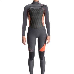 Roxy 4/3mm performance chestzip full wetsuit NWOT